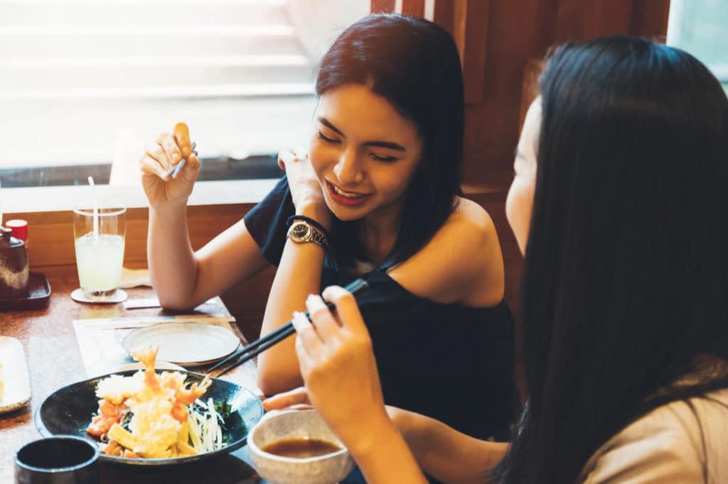 2 female employees dinning